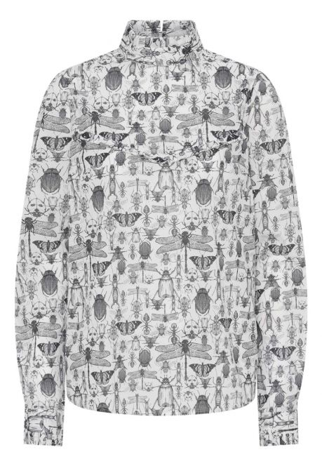 Skjorten – den med høj krave og insekter