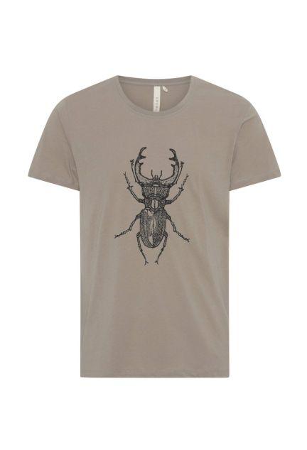 T-shirten herre – den med eghjort i moler
