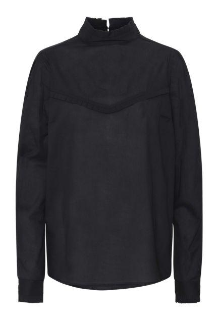 Skjorten – den sorte med høj krave