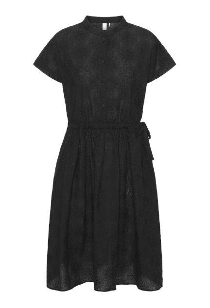 Kjolen - den med knapper i sort blomsterbroderi