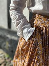 Nederdelen den i gukemeje GROBUND - hånd i lomme